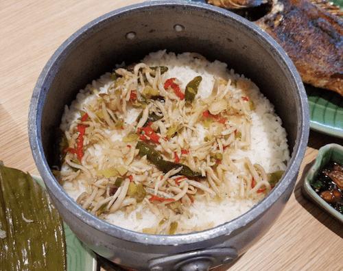 ナシ・リウェット(炊き込みご飯)の画像